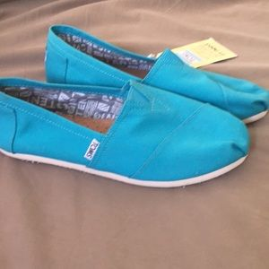 NWT teal TOMS